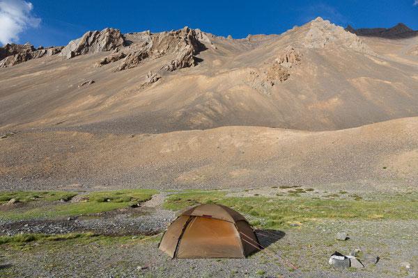 Camp am Ramser Chu, Kharnak