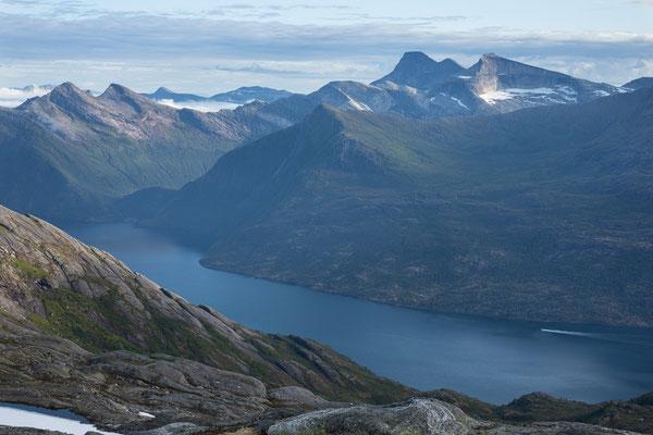 Inner Tysfjorden mit Stetind