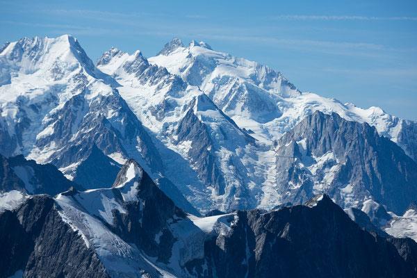 Leda Peak (front), Mt Waddington