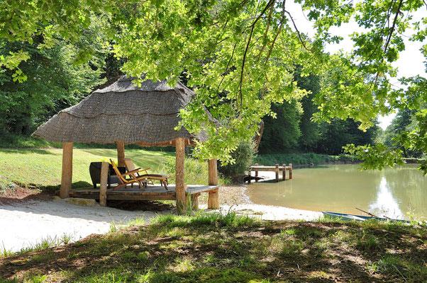Paillote sur l'eau Dordogne