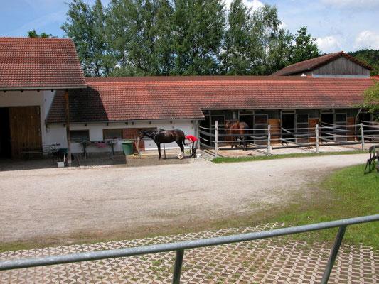Innenhof mit Putzplatz
