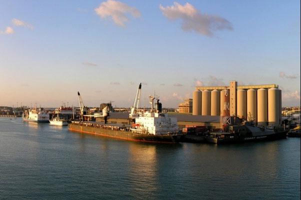 quels sont les avantages du Port Franc de l'île Maurice, le Port Franc de l'île Maurice offre des avantages fiscaux et l'accès aux marchés régionaux et internationaux,