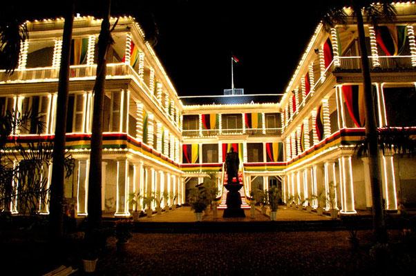 L'île MAURICE est le pays le plus libéralisé du continent africain et le plus convivial pour les affaires, alternances politiques