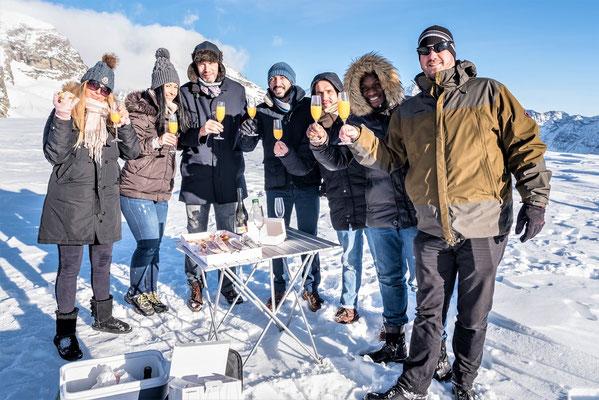 Elite Flights, Helikopterflug, Alpenflug mit Gletscherlandung, Firmenausflug, Team Events, Gletscherapéro, Petersgrat