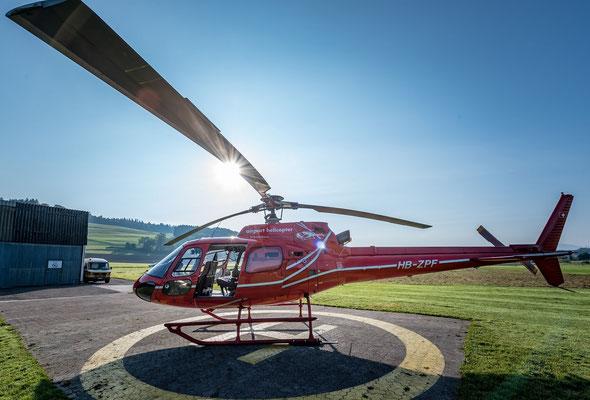 Elite Flights, AS 350 B2 Ecureuil, HB-ZPF, Tarmac Beromünster, Helirundflug, Helikopterflug Luzern Beromünster