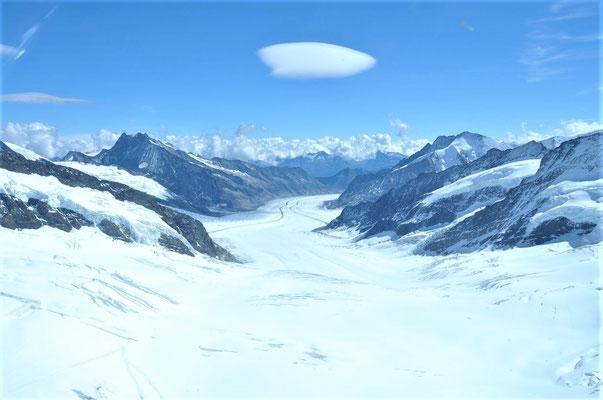 Elite Flights, Alpenrundflug mit Gletscherlandung, Helikopterflug,  Gletscherflug, Aletschgletscher, Konkordiaplatz, Fotoflug