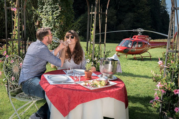 Elite Flights, Gourmetflüge, Helikopterflug, Romantikflüge, AS 350 B2 Ecureuil, HB-ZPF, Restaurant Bürgisweyerbad