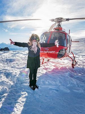 Elite Flights, HB-ZPF, AS 350 B2 Ecureuil Helikopterflug, Alpenflug mit Gletscherlandung, Firmenausflug, Petersgrat, Team Events, Firmenausflüge