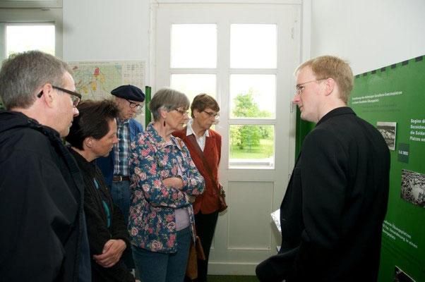 Führung durch die Senne-Ausstellung Vorstellung Info-Terminals d. Dirk Tornede