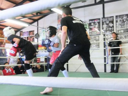 アマチュアキックボクシング ワンマッチ定期戦 試合 後ろ蹴り