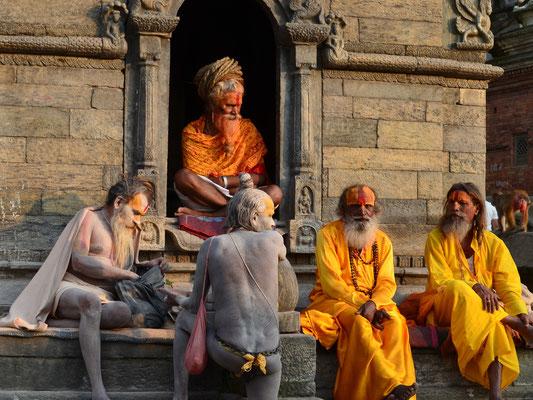Brahmanen (Angehörige der obersten Kaste) in Nepal