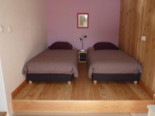 les 2 petits lits sur estrade
