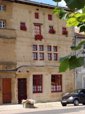 Une belle façade renaissance à Marville