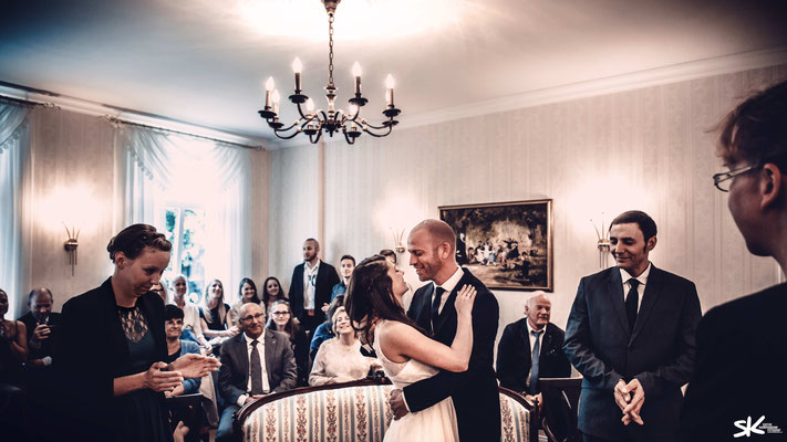 Erstklassige Hochzeitsfotos by Simon Knösel. Der Hochzeitsfotograf in Hannover und Niedersachsen.