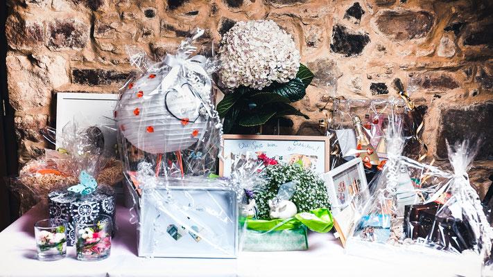 Geschenke - Hochzeitsfotografie by Simon Knösel. Der Hochzeitsfotograf aus Hannover. Beeindruckende Hochzeitsfotos von eurer Hochzeit.