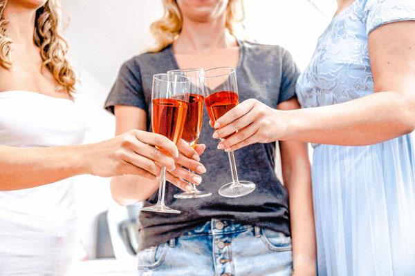 Get Ready Braut - Hochzeitsfotografie by Simon Knösel. Der Hochzeitsfotograf aus Hannover. Beeindruckende Hochzeitsfotos von eurer Hochzeit.