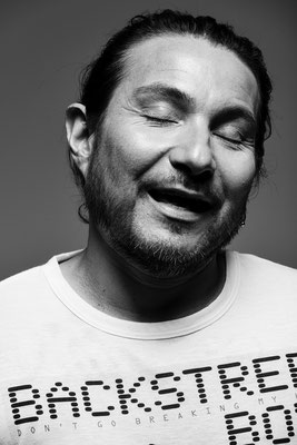 Felipe Avello, comedian. Sky magazine