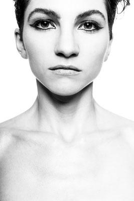 Manuela Marteli, actress. Paula Magazine
