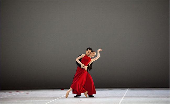 """2012 Oktober, """"Hamburg-Ballett©Hans-Peter Otto"""