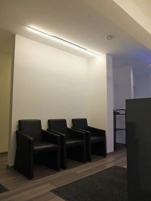 LED-Aufbauleuchte, Maße L:1850mm, 19,2W/m, warmweiß 3200K