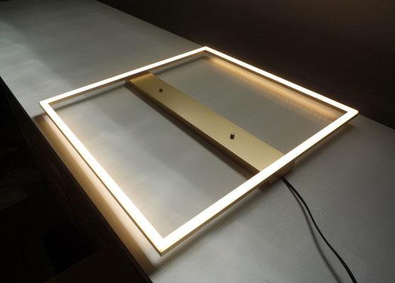 LED-Leuchte in Gold, Maße 600x600mm, Gesamtleistung: 57,6W*