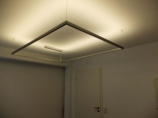 LED-Profilleuchte mit Pendelabhängung, Maße: L:2000/1200mm - 1700/1200mm - 1700/1200mm - 1700/800mm, 20W/m warmweiß 3200K