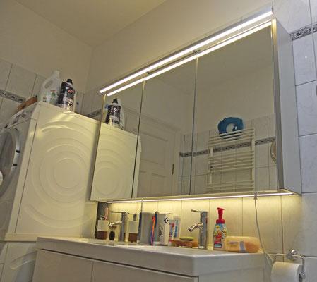 LED-Spiegelleuchte, zweifache Beleuchtung oben und unten, inkl. Spiegel komplette Sonderanfertigung