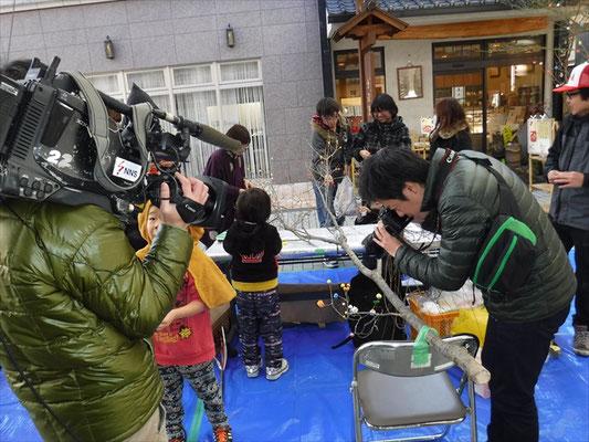 テレビ、ラジオ、新聞、雑誌など様々な媒体で紹介されました。イベント告知だけでなく、街の思いを伝えるドキュメンタリー番組や特集記事も組まれました。