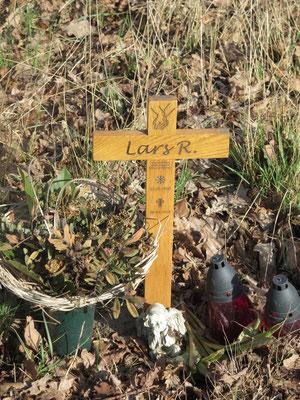 Erinnerung an das Unfallopfer vom 20.3.2014, das nur 25 Jahre alt wurde.(L345 in Bahlum)
