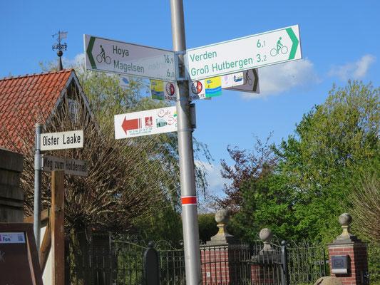 28. April 2015 Einweihung des Neubaustückes Oiste-Dahlhausen, Weser-Radweg zwischen Oiste und Magelsen (östlich der L 201) nach der Qualitätsoffensive Mai 2015
