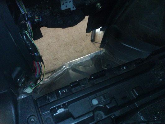 vor dem beginn der Arbeiten ist genau zu prüfen wo die Kabel langlaufen.