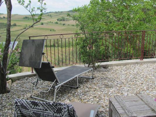 """Terrasse de la Maison d'hôtes """"Au pied du figuier"""""""