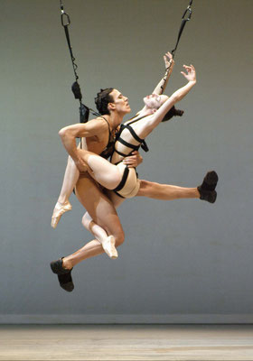 photo : Marie Chouinard | dancers : Kirsten Andersen, James Viveiros
