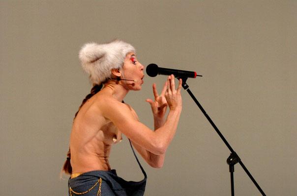 photo : Michael Slobodian | dancer : Carol Prieur