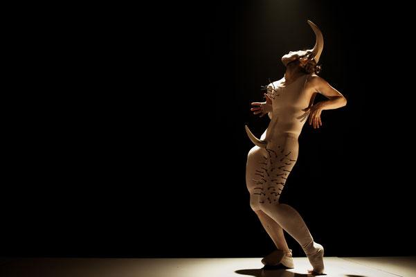 Photo: Sylvie-Ann Paré Interprète/Dancer : Isabelle Poirier