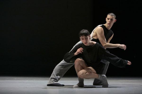 Photo : Sylvie-Ann Paré - Interprètes/dancers : Clémentine Schindler, Scott McCabe