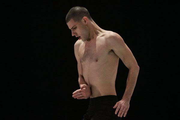 Photo : Sylvie-Ann Paré - Interprète/dancer : Scott McCabe