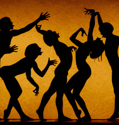 photo : Marie Chouinard | dancers : Julio Cesar Hong, Carla Maruca, David Rancourt, Carol Prieur, Isabelle Poirier