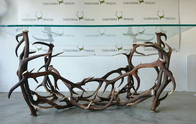 Mesa cuernas ciervo