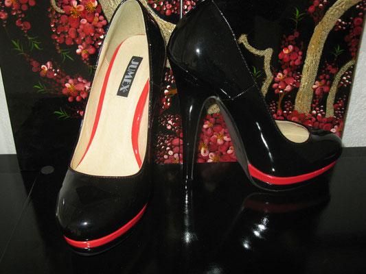 Lack schwarz/rot