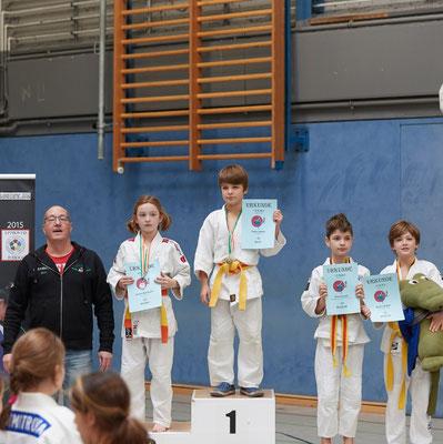 Siegerehrung bis 33kg: 3. Platz für Timon Scholz