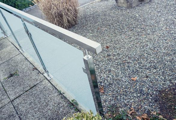 Electropolished stainless steel veranda railing