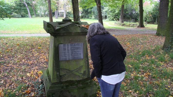 Ein kleiner Gedenkstein für Kammerrat Miedel