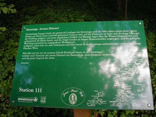 """Auf dem Jean-Paul-Weg, Stationstafel 111 """"Eremitage - Zweiter Himmel"""" in der Eremitage Bayreuth"""