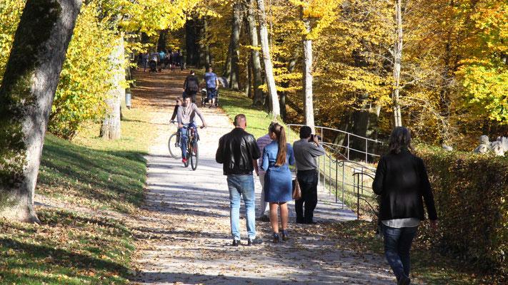 Wandeln im Schlosspark Fantaisie
