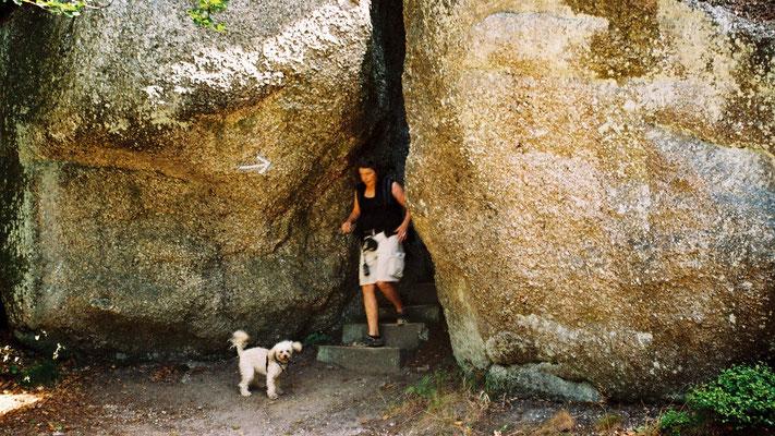 Am Weißmainfelsen – kleine Felsschluchten