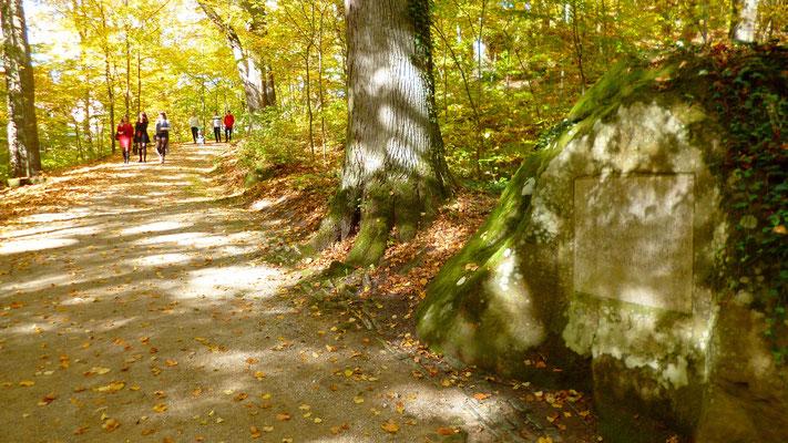 Gedenkstein für Jean Paul im Schlosspark Fantasie – seit 1820 an diesem Ort