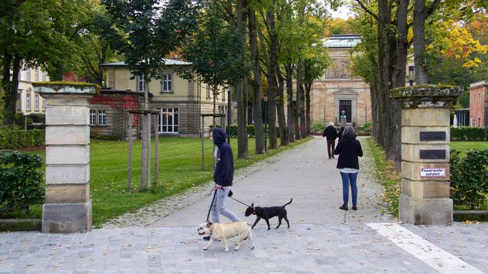Vor der Villa Wahnfried mit dem Richard-Wagner-Museum