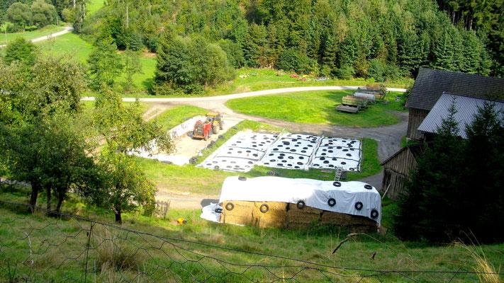 landwirtschaftlicher Lagerplatz um Schloss Stein