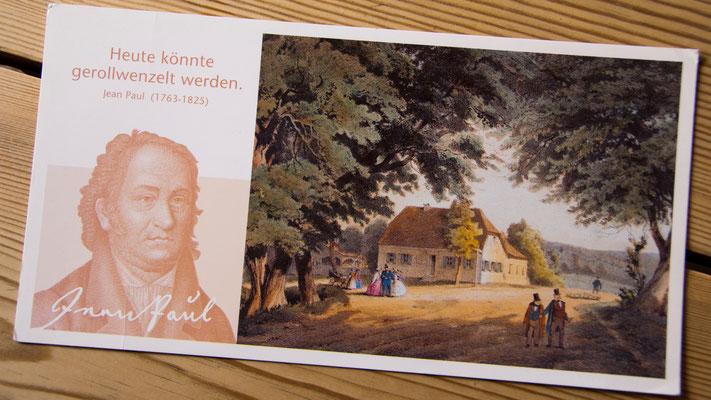 Postkarte des Vereins zur Erhaltung von Jean Pauls Einkehr- und Dichterstube in der Rollwenzelei e.V. mit dem Druck »Rollwenzels Haus«, Stahlstich um 1830, koloriert von Heinrich Stelzner um 1870